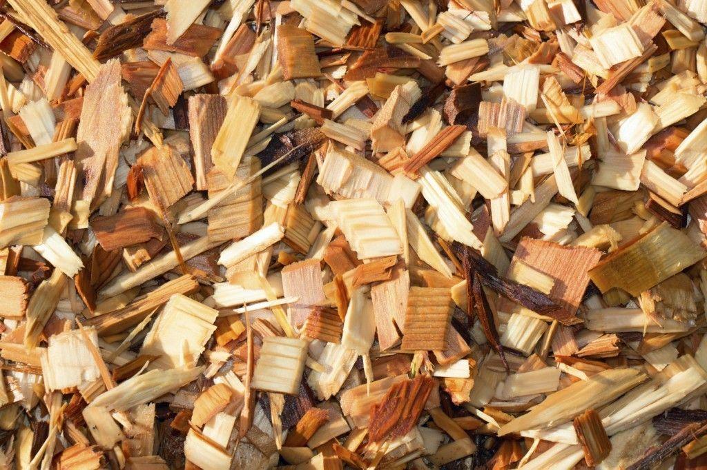 Using Cedar For Mulch Shredded Cedar Mulch Benefits And Problems Mulch For Vegetable Garden Garden Mulch Mulch