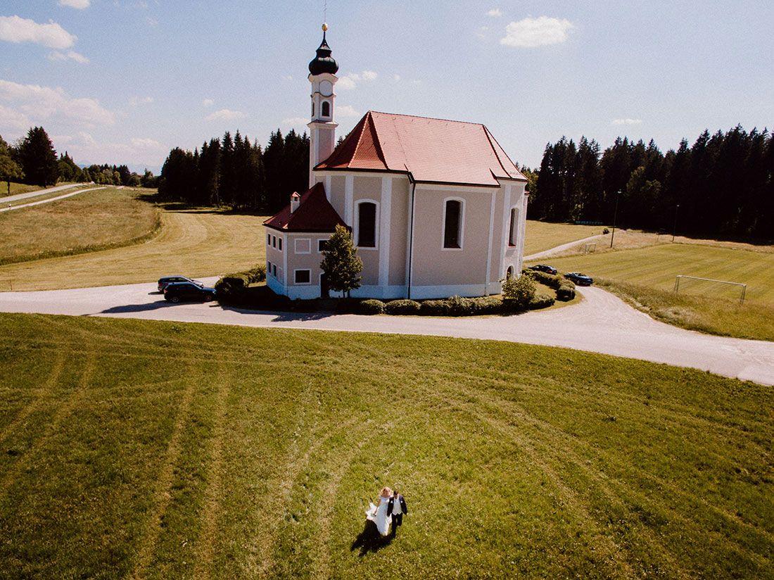 Beim Huber In Linden Hochzeit In Dietramszell Hochzeitsfotograf Munchen Hochzeitsfotograf Munchen Hochzeitsfotos Hochzeit