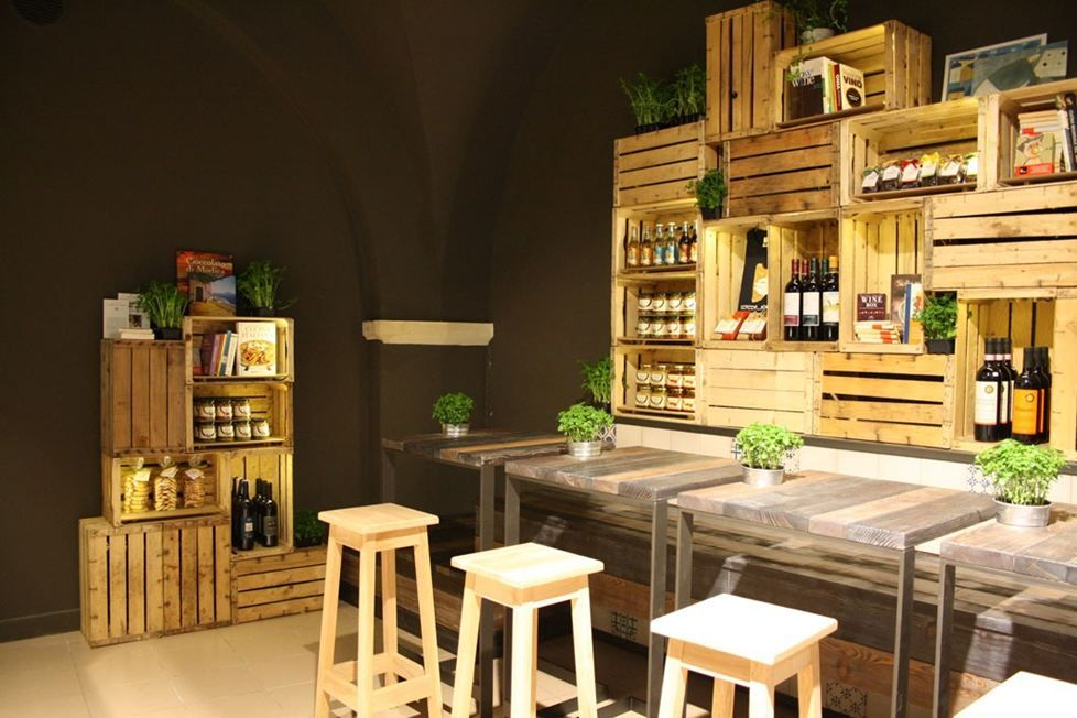 15 methods to turn wine crates into something else dise o cafeteria - Decoracion restaurante rustico ...