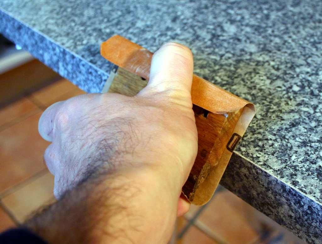 Einen Umleimer Aufbugeln Das Konnen Sie Auch Arbeitsplatte Kuche Arbeitsplatte Kuche