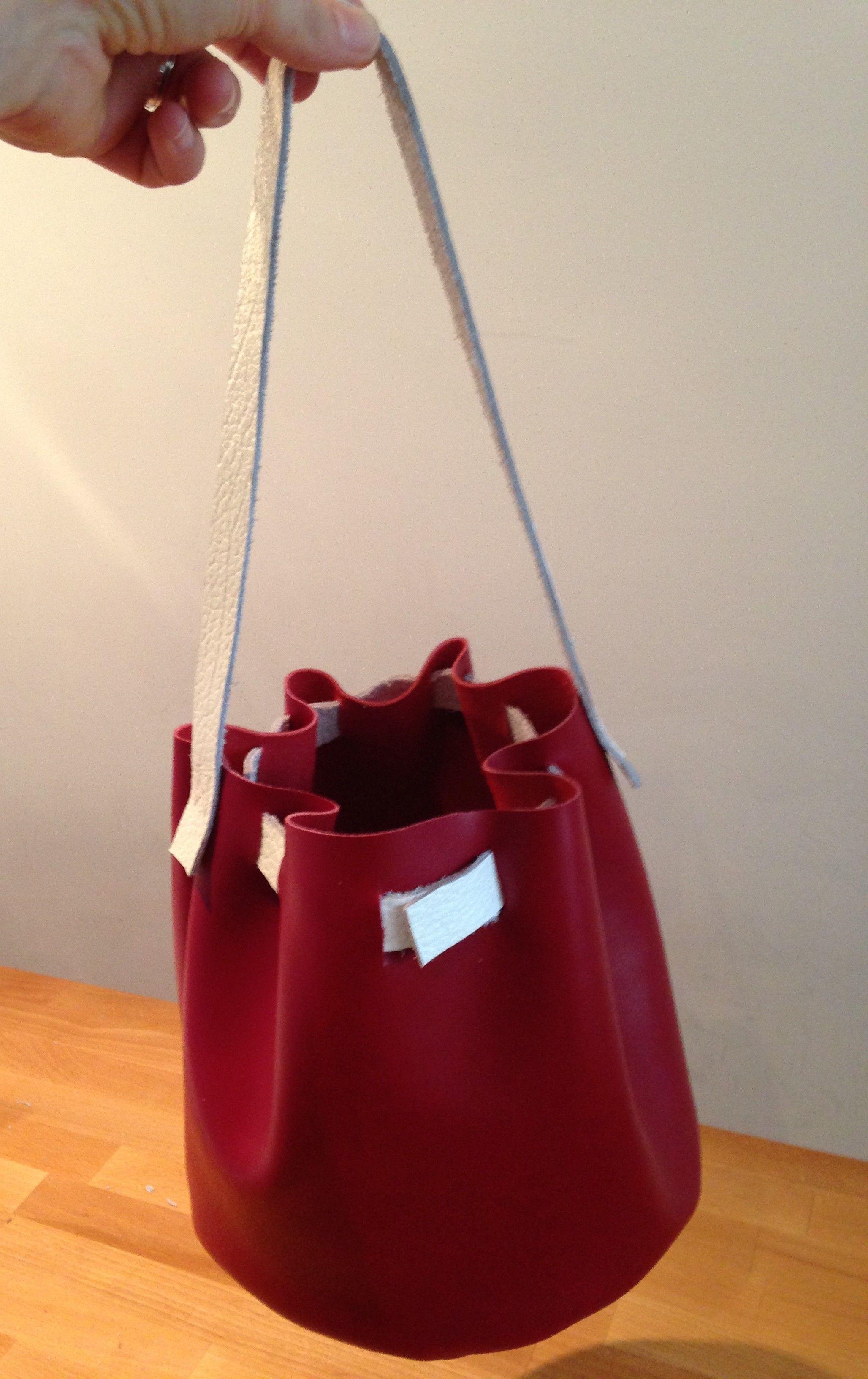 fabriquer un sac bourse en cuir sac pinterest. Black Bedroom Furniture Sets. Home Design Ideas