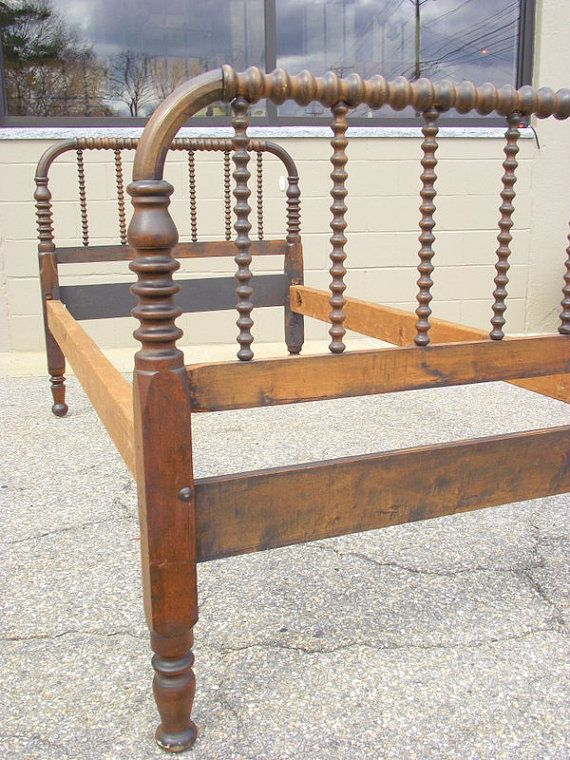 Antique Heirloom Jenny Lind BED Spindle Spool By