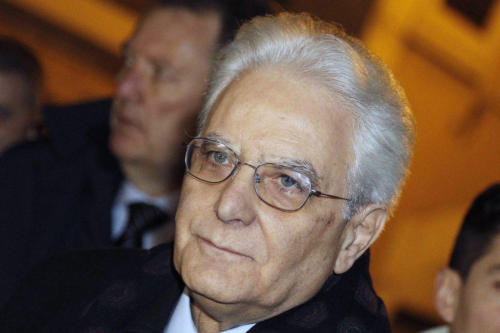 Sergio Mattarella: Untypisch, aber prinzipientreu - Sergio Mattarella ist alles andere als ein typischer Italiener. Und auch ganz anders als die schillernden und schrägen Politiker, die in Italien üblicherweise an die Spitze kommen. Mehr zur Person: http://www.nachrichten.at/nachrichten/meinung/menschen/Sergio-Mattarella-Untypisch-aber-prinzipientreu;art111731,1634596 (Bild: EPA)