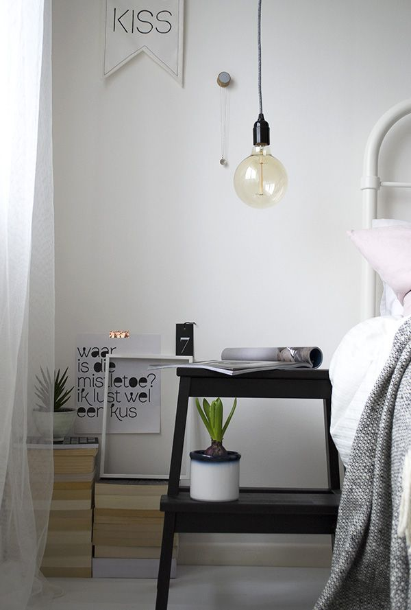 Stool Bedside Table: Urban Jungle Bloggers / Cosy & Green Bedroom