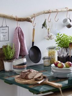 Photo of DIY idea: build a kitchen shelf out of driftwood