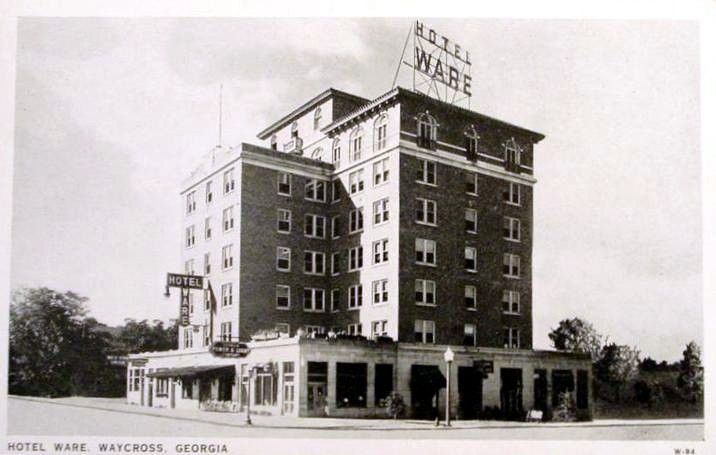 People Stayed In Motels Instead Of Hotels Like This One That My Pas Owned Waycross Ga Remember When Pinterest Motel Georgia And