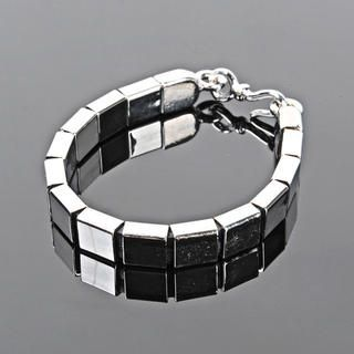 Buy 'deepstyle – Metal Bracelet' with Free International Shipping at YesStyle.com. Browse and shop for thousands of Asian fashion items from South Korea and more!