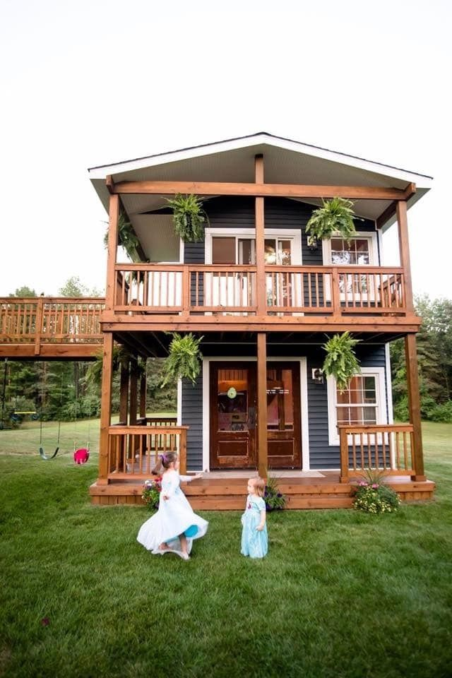 This Dad Built A Two-Story Playhouse For His Daughters And My Heart Can't Take It #lifestories