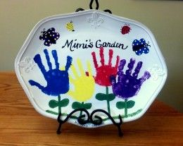How to make handprint art on ceramics gardens homemade for Handprint ceramic plate ideas