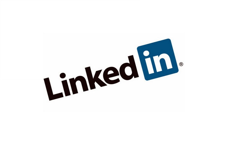 7 status updates to post on linkedin when in a job search