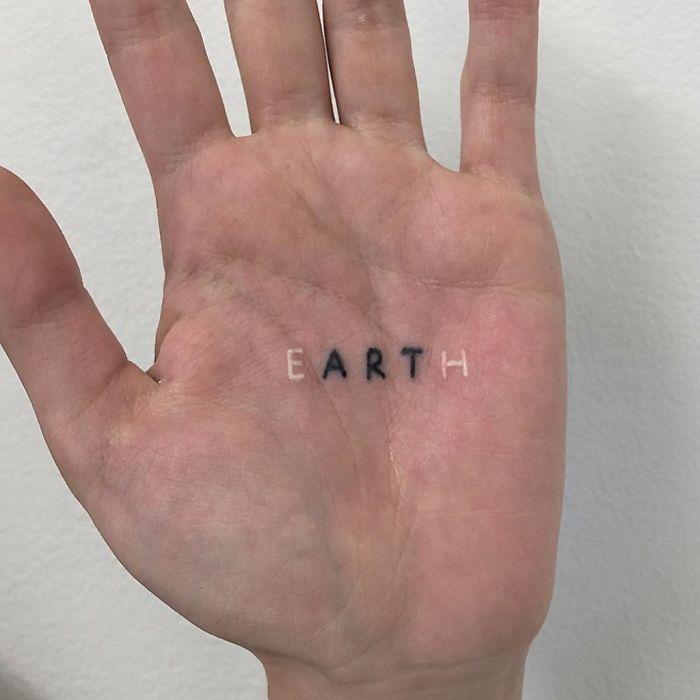 30 Of The Best Palm Tattoos | Palm tattoos, Tattoos, Aesthetic tattoo