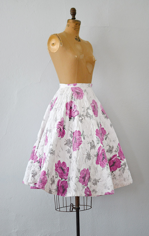 Vintage 1950s flare circle skirt with violet and grey floral print | #1950s #50svintage #floralskirt #adoredvintage
