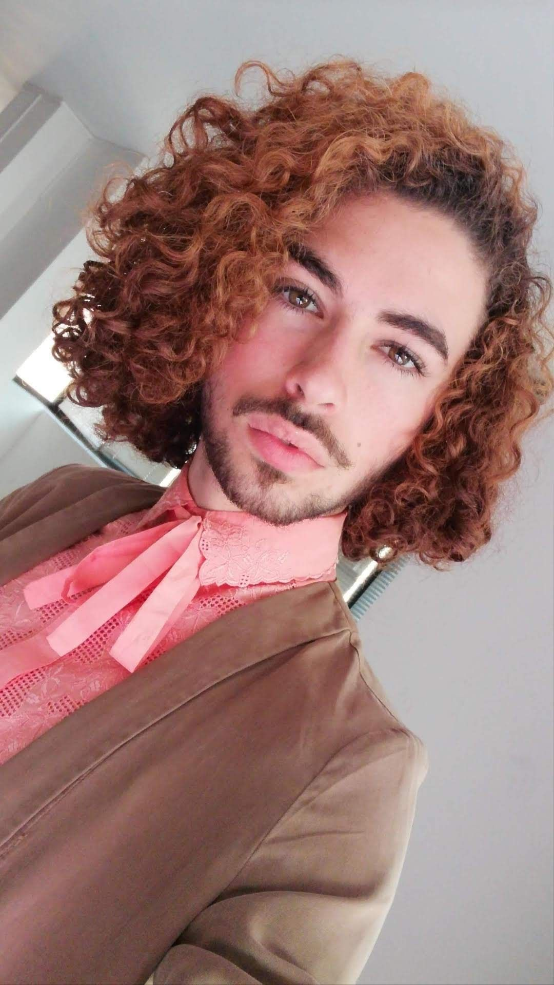 Curly unisex hairstyle in 2020   Short curly hair, Hairstyle, Short hair styles