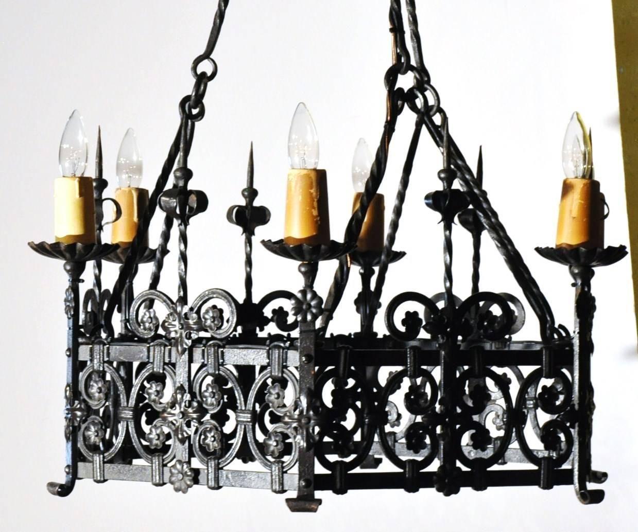 19th Century French Gothic Six-Light Black Wrought Iron Round Chandelier - 19th Century French Gothic Six-Light Black Wrought Iron Round