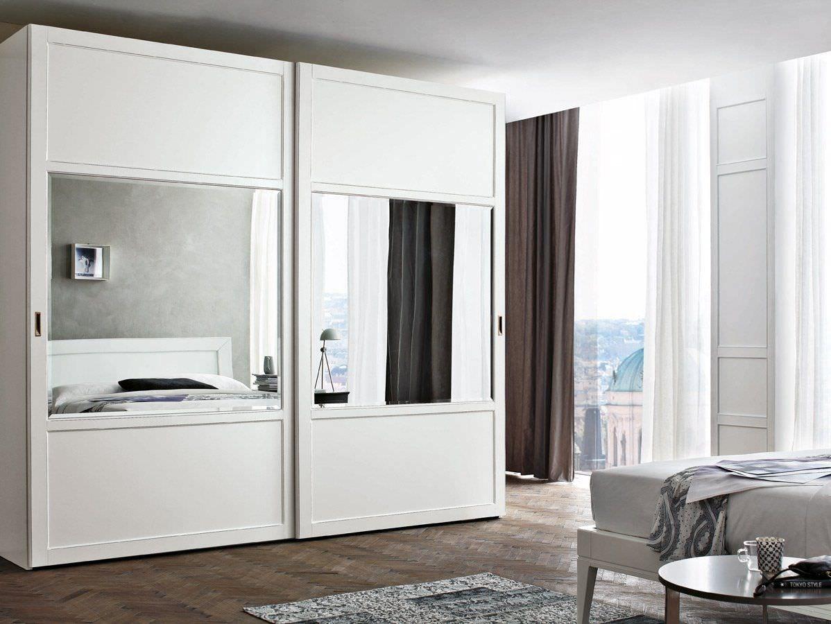 Mirrored wardrobe wardrobe closet walk in closet window wall bay window