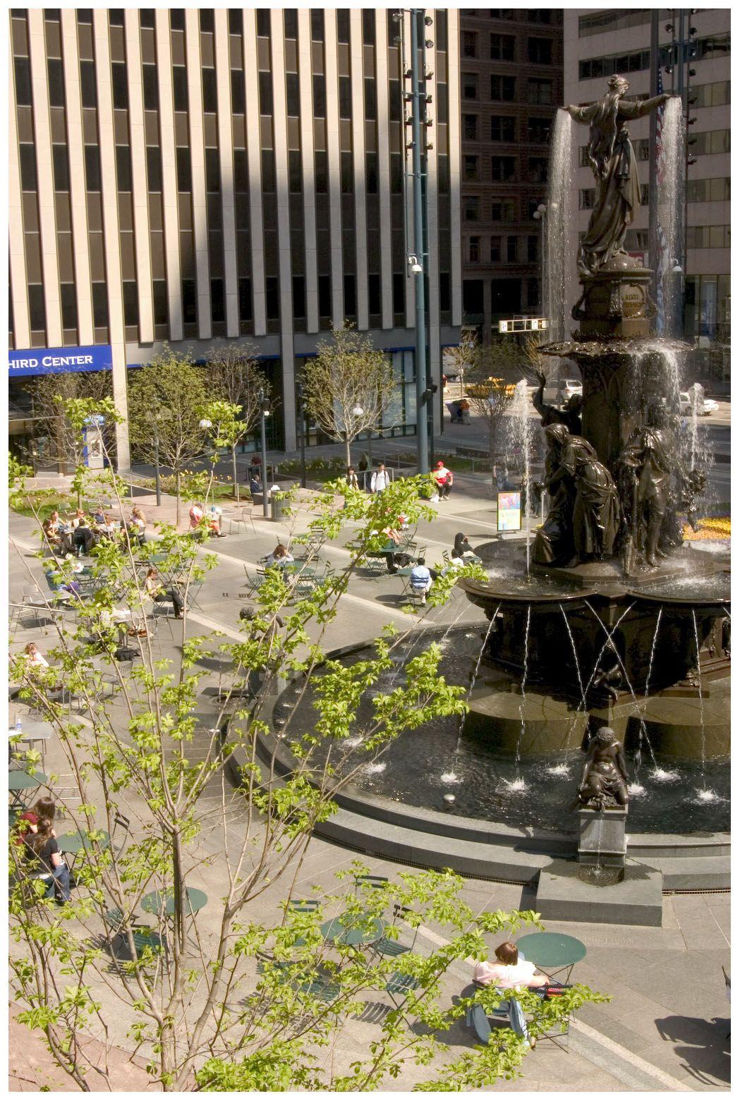 Fountain square cincinnati plaza