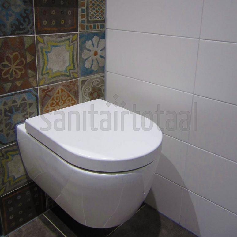 Tegels badkamer, portugese tegels, tegelstroken toilet, muurstrips ...