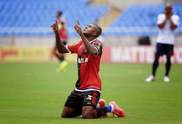 Blog Esportivo do Suíço: Campeonato Carioca - 13ª Rodada: Fla bate Bonsucesso, vence 6ª seguida e assume liderança