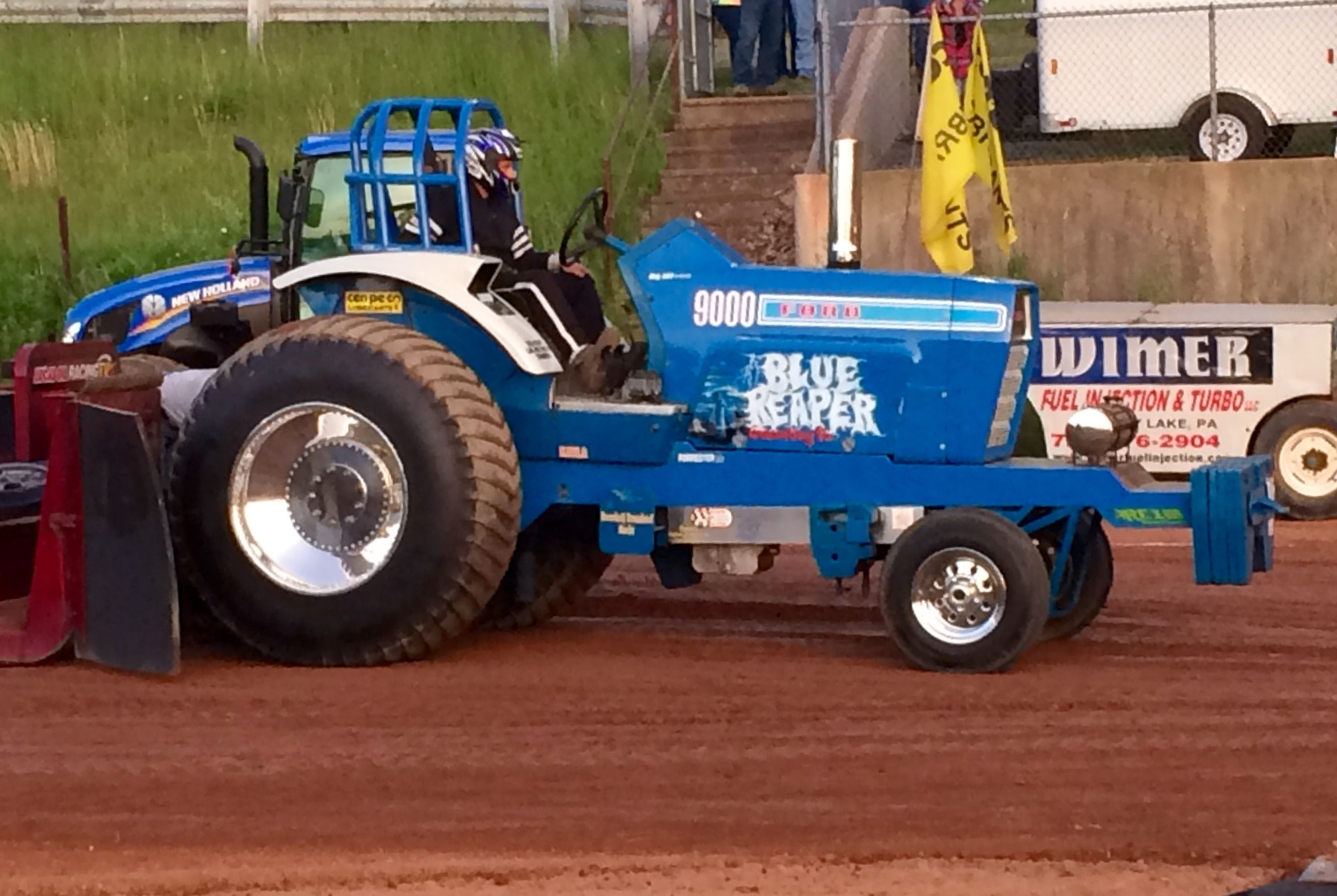 Pin By Chuck Hellman On Ford And New Holland Tractors Ford