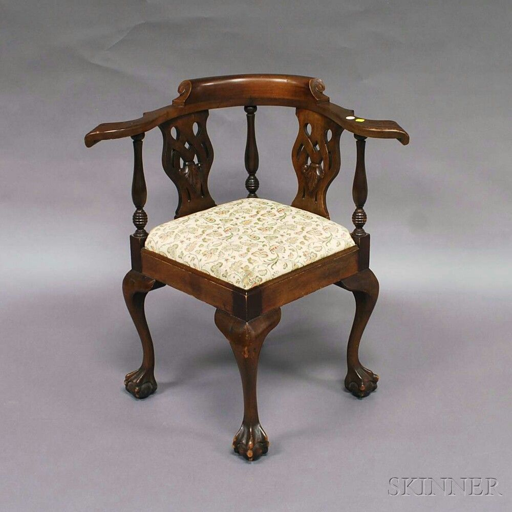 This israel sack american federal mahogany antique lolling arm chair - Chippendale Style Mahogany Corner Chair The Shaped Arms And Carved Knuckles Atop Baluster