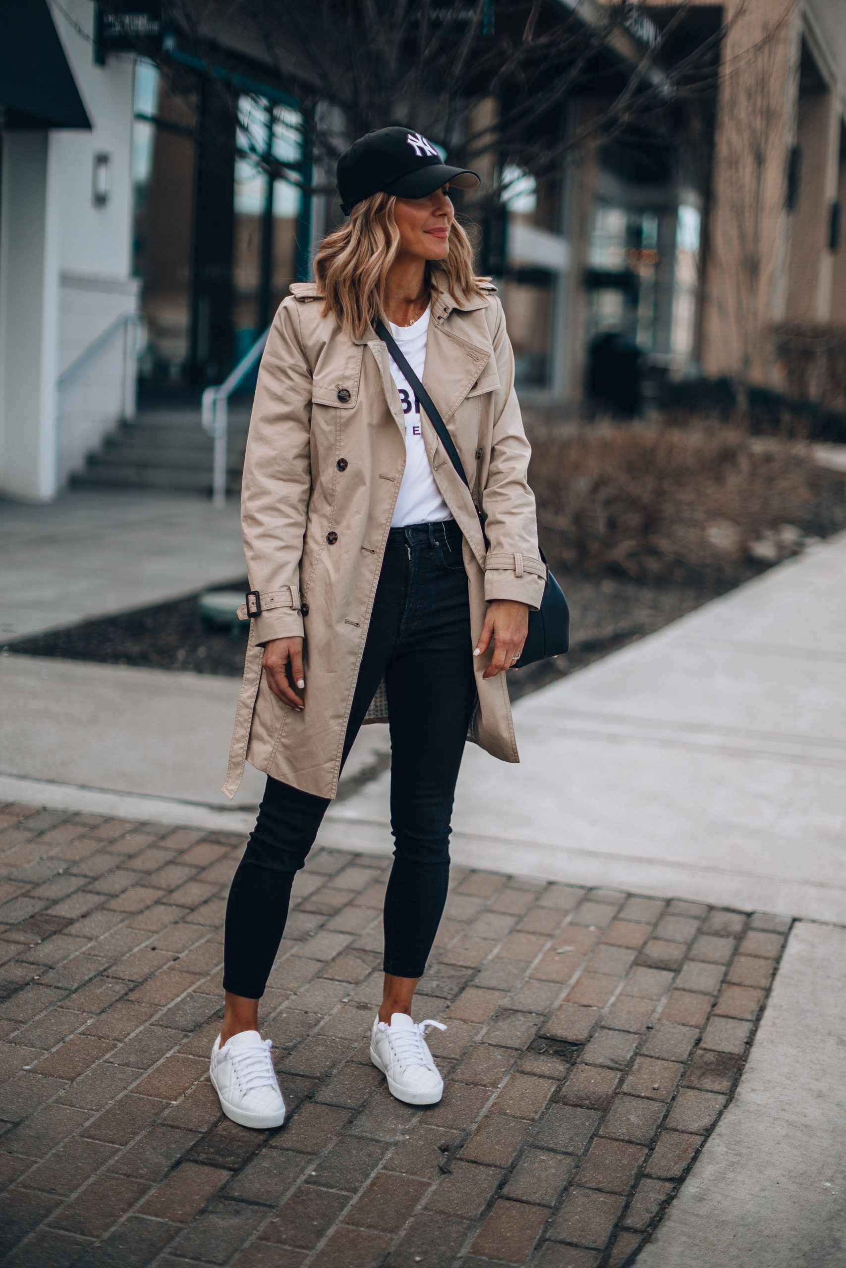 5 Athleisure Outfit Ideas for the Weekend | Cella Jane