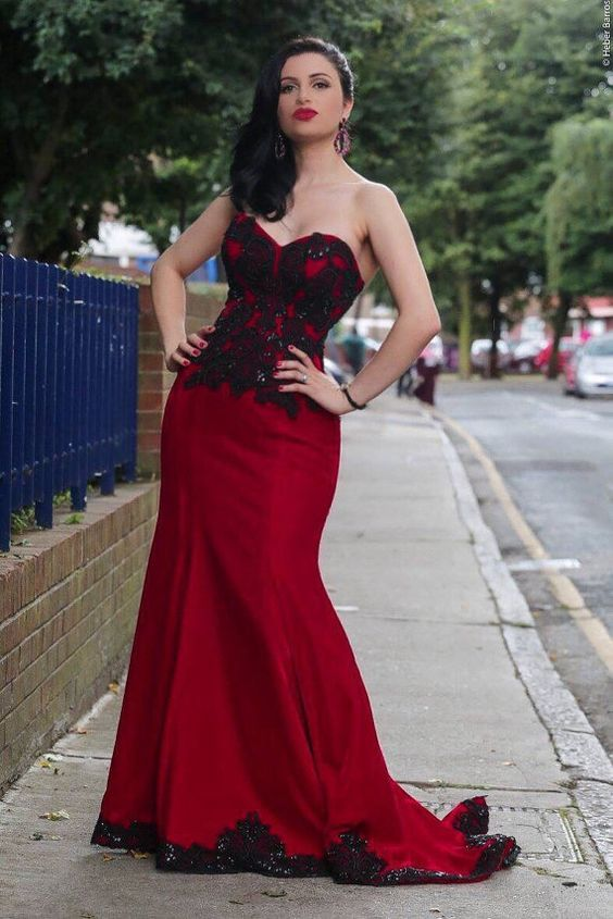 Stunning scarlet red and black lace ball gown 995deac2b979