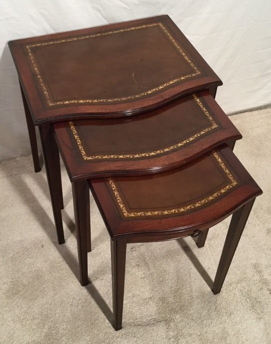 Antique Mahogany With Leather Top Sheraton Nesting Tables