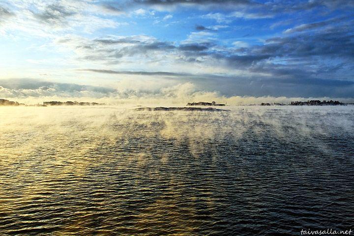 Sea in front of Helsink, Finland. Photo: Niklas Sjöblom
