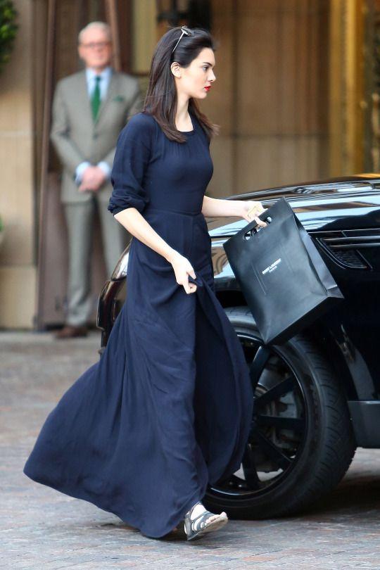 17679422271 black long dress street style look  Kendall Jenner