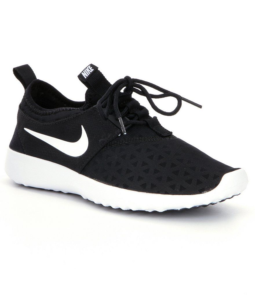 Black/White:Nike Juvenate Women´s Lifestyle Shoes