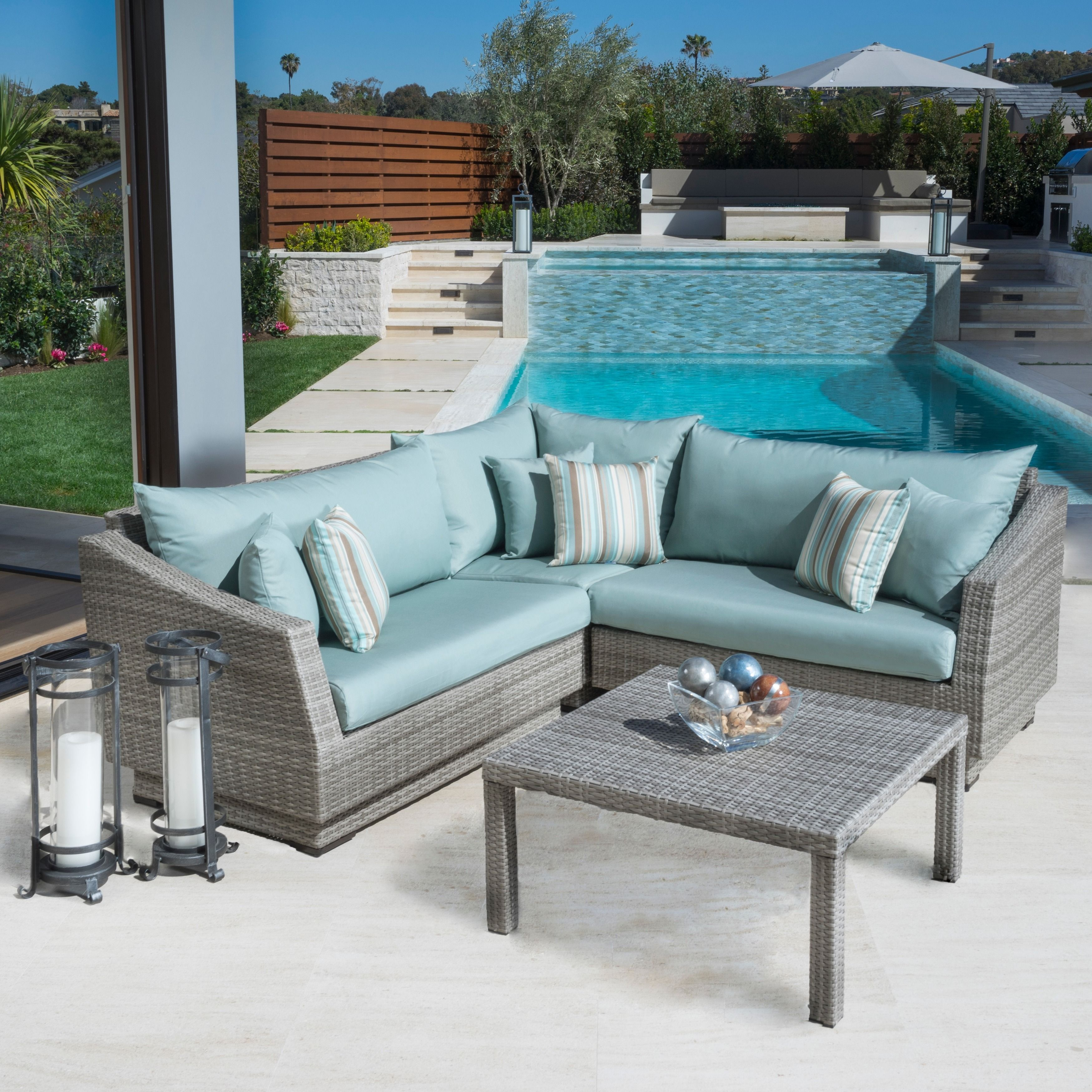 The modular ponents on these outdoor sectionals are created so
