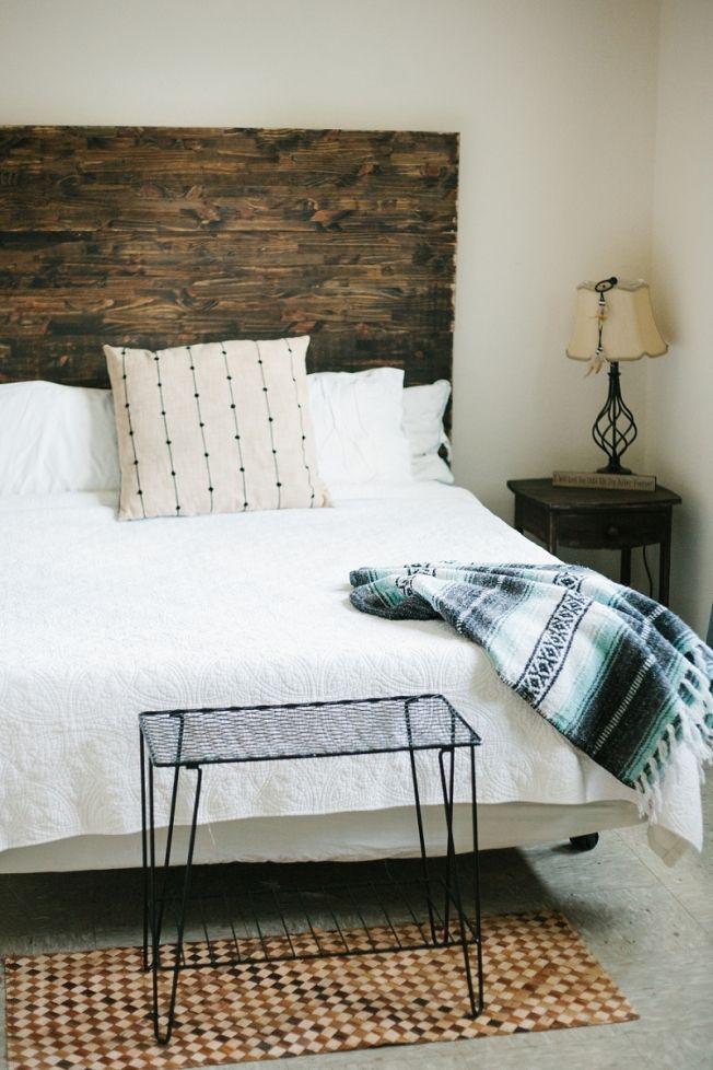 DIY rustic simplistic tribal and native american inspired bedroom ...
