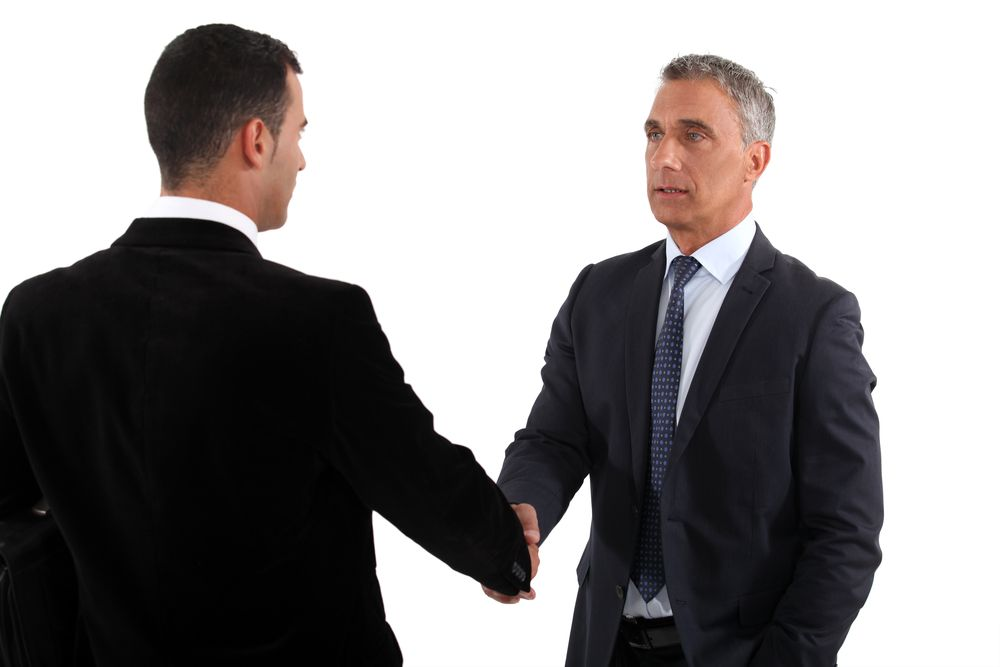 4 Tips For Connecting With A New Boss | CAREEREALISM