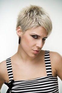 Blondes kurzes haar