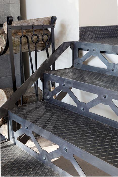 dt95 esca 39 droit style san francisco mod le d pos escalier droit int rieur m tallique au. Black Bedroom Furniture Sets. Home Design Ideas