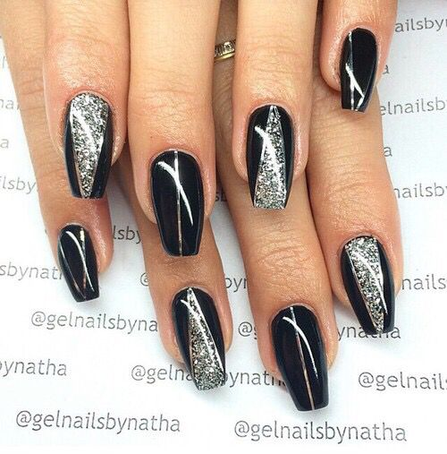 Black & silver fingernails