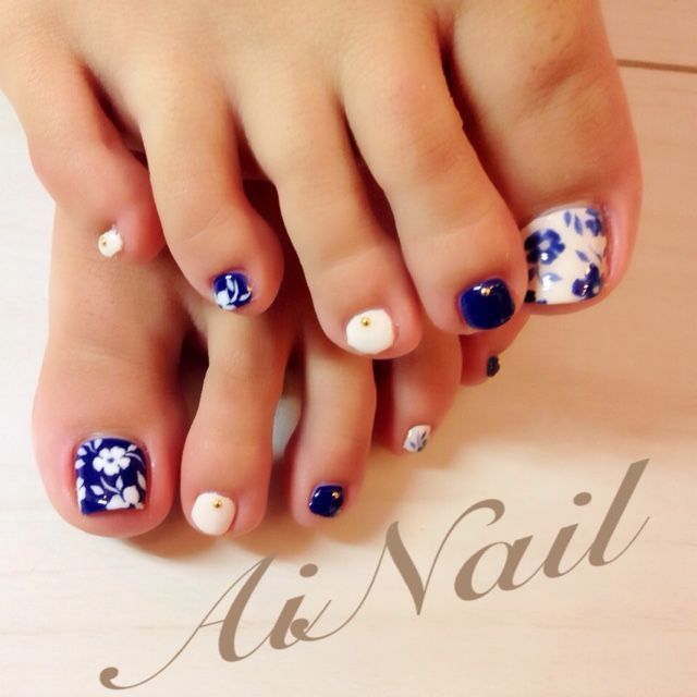 Blue And White Flower Toe Nail Design
