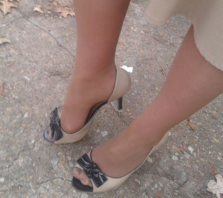 Open Toes and Hosiery - Should You or Shouldnt You