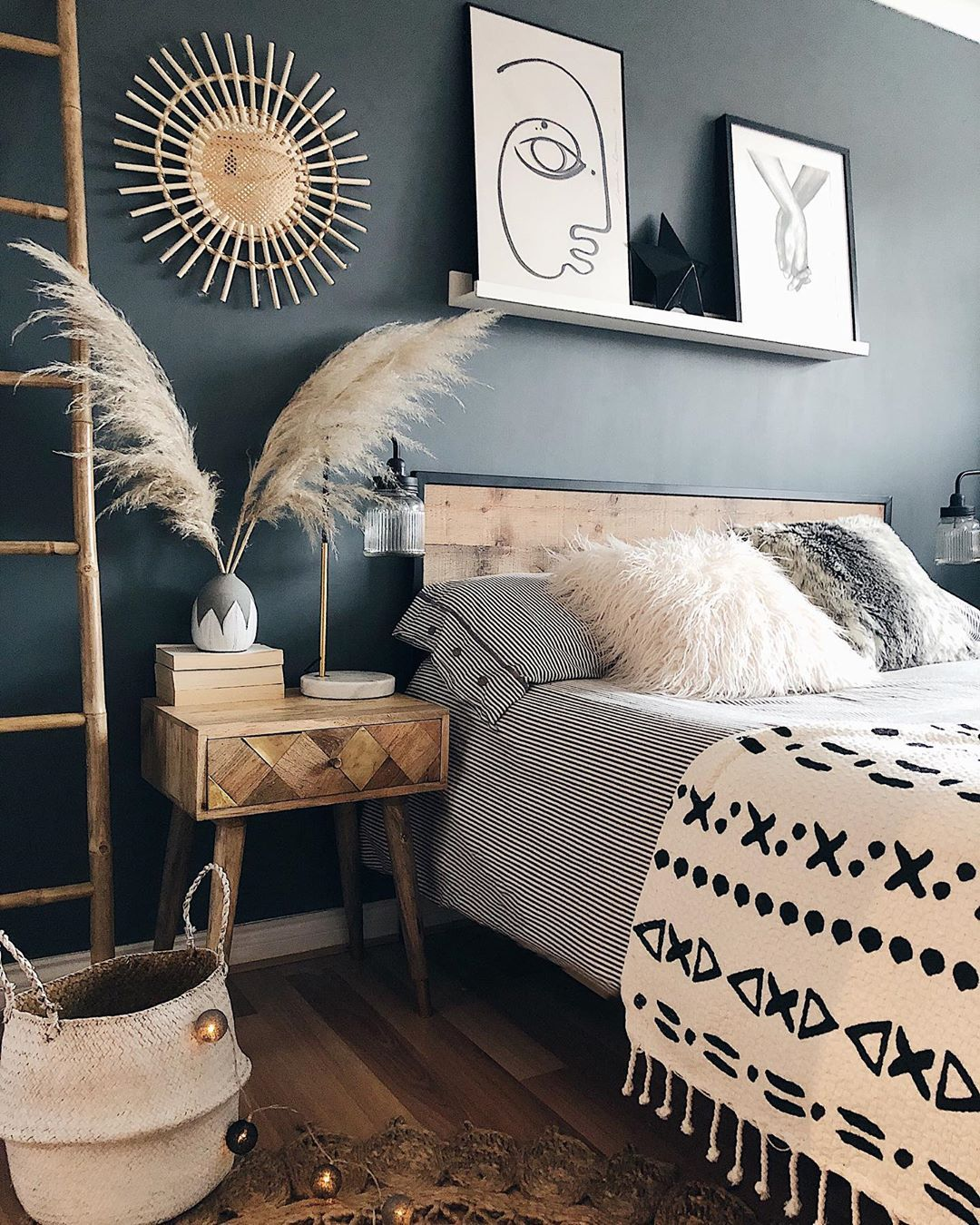 Mel Interior Inspiration On Instagram Good Morning And Happy Wednesday Staring At My Phone Wi In 2020 Bedroom Inspiration Boho Boho Bedroom Gray Bedroom Walls