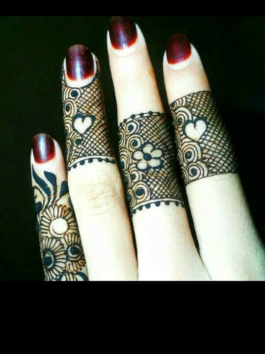 Elegant Henna Designs: Simple Yet Elegant Design