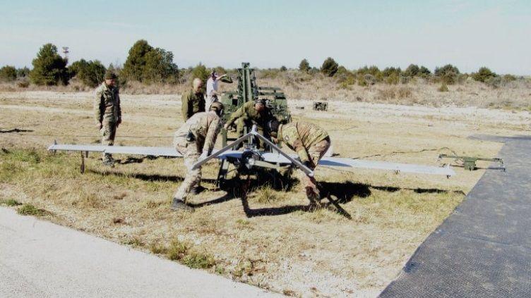 TUAV (Tactical Unmanned Aerial Vehicle) AAI 200 RQ-7 Shadow UAV