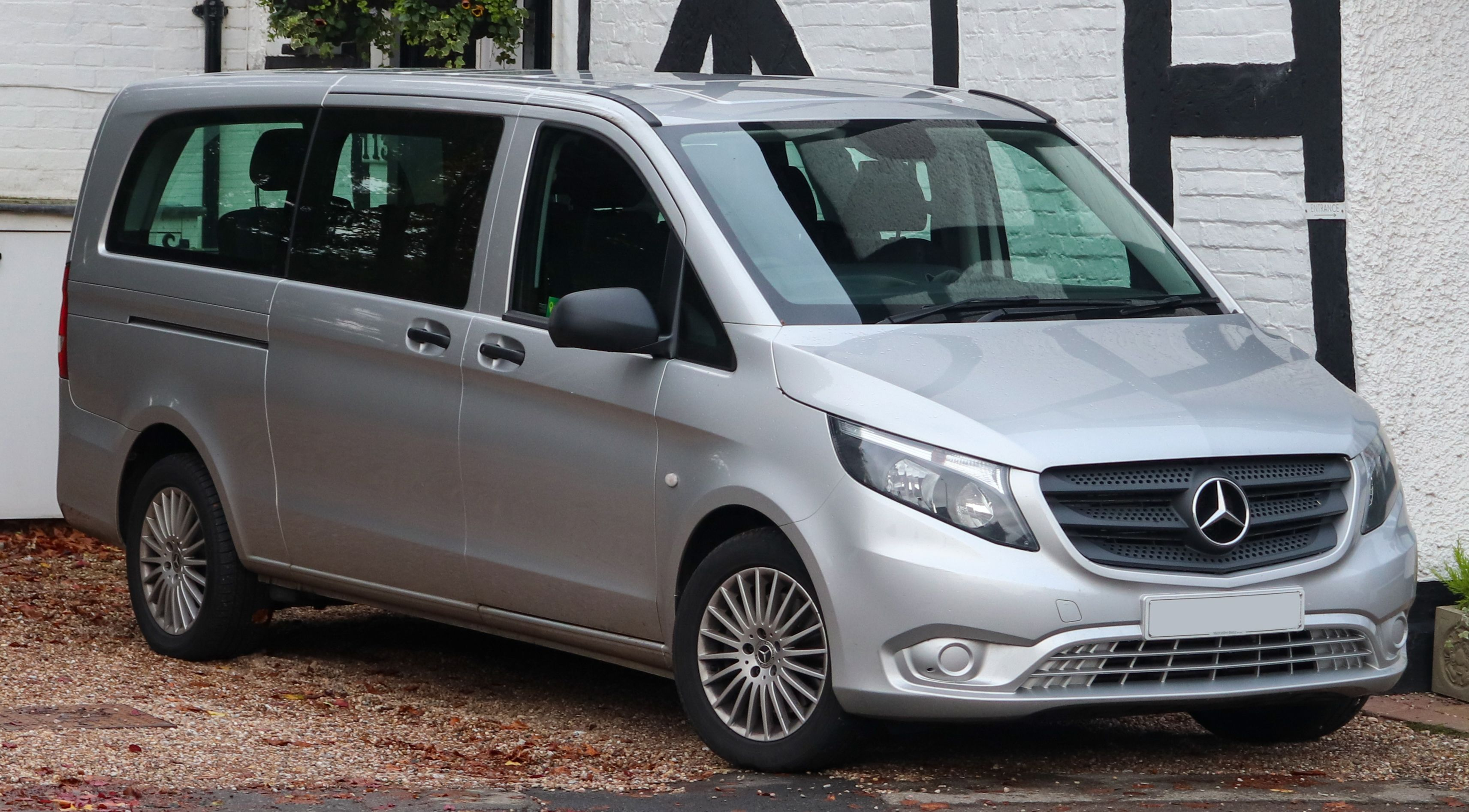 Grab The Best Quality And Low Priced Mercedes Vito Reconditioned Or Second Hand Engines Mercedes Mercedes Benz Vito Car Manufacturers