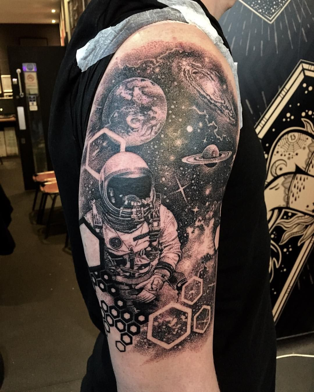 256 Likes 6 Comments Przemek Okonski Okonski3 On Instagram Anorher Space Spacetattoo Manchest Planet Tattoos Galaxy Tattoo Sleeve Space Tattoo Sleeve