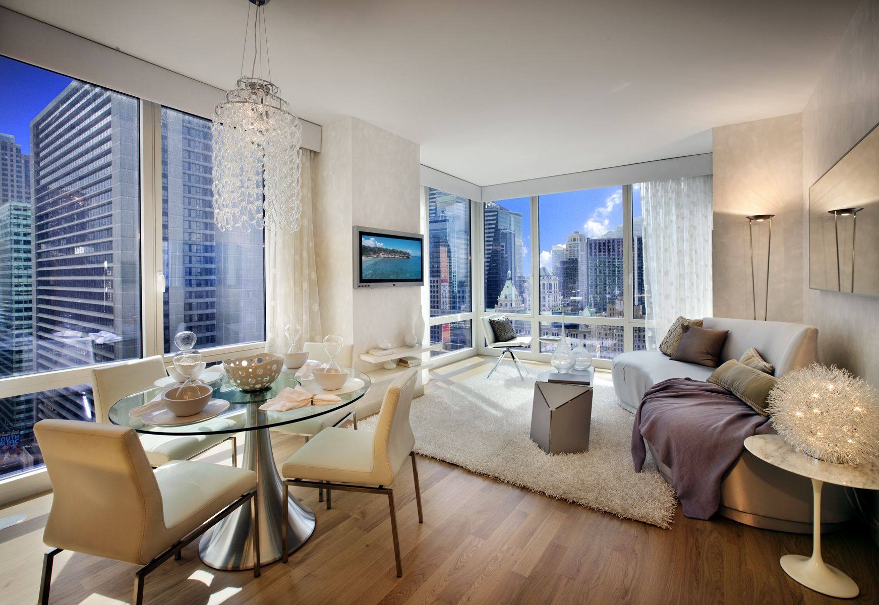 How supermodels live: luxury apartments with stunning views of the metropolis 62