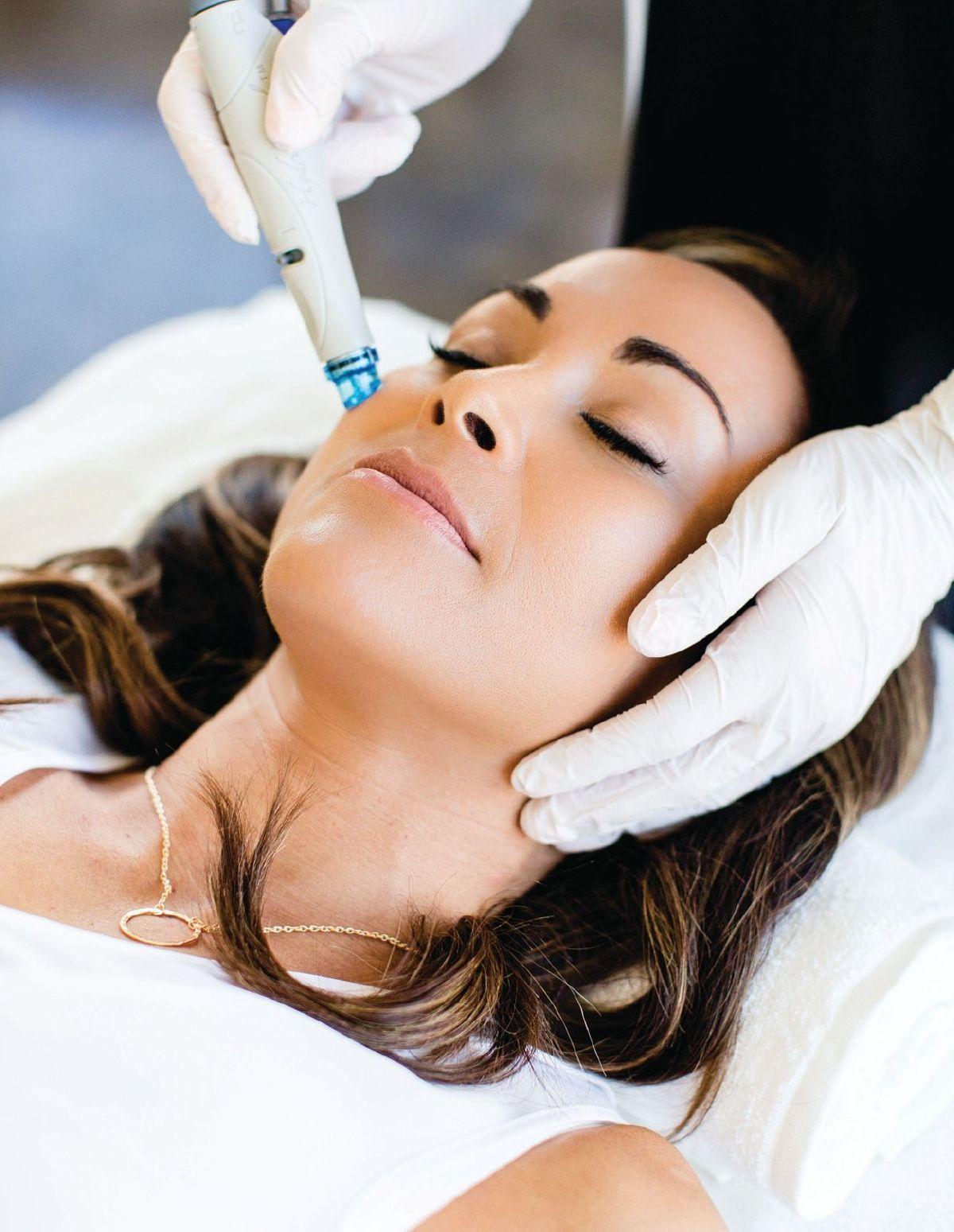 Https Www Bluetoad Com Publication M 44604 L 1 22issue Id 22 642295 22publication Id 22 2244604 22 22pag In 2020 Hydra Facial Skin Treatments Facial Aesthetics