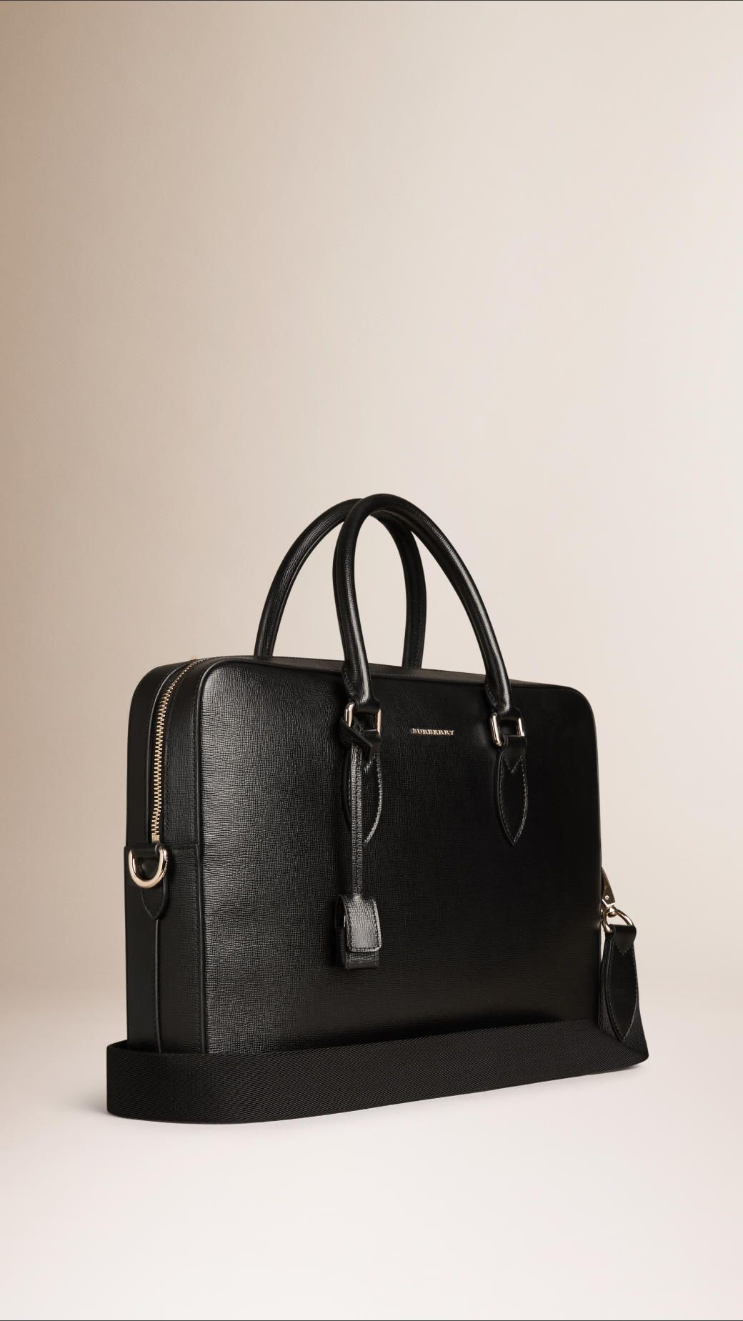 5aa2160fbcf Petit attaché-case en cuir London texturé avec anses roulées et bretelle en  toile tissée amovible Contour zippé