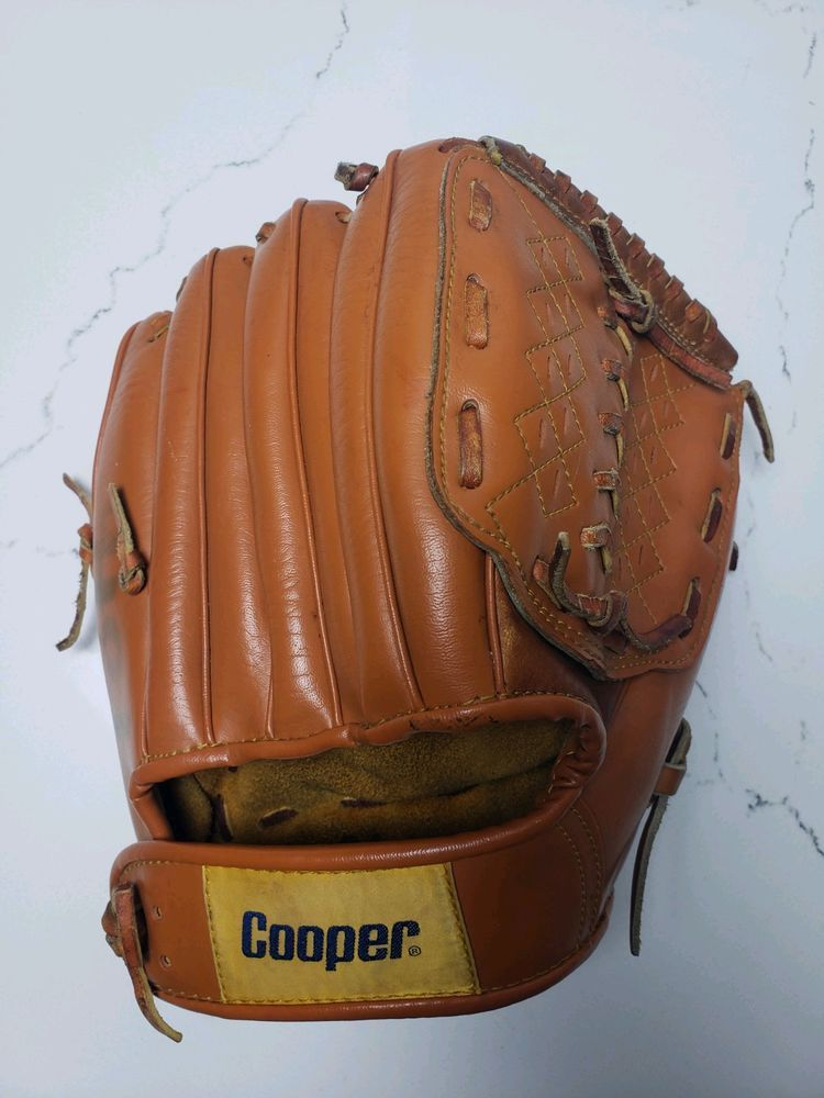Cooper Catchers Baseball Glove Softball Rht Leather 735 Cooper Softball Gloves Softball Baseball Glove