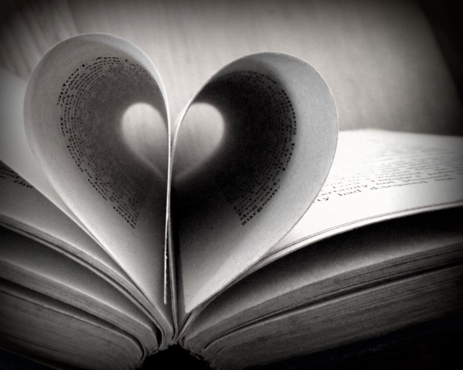 Pin By Marcy Barth On Black And White Black And White Love Black And White Books Black And White Aesthetic