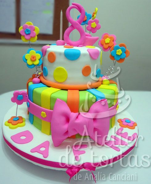 Lindas tortas para ni as buscar con google clover for Decoracion espejo en tortas