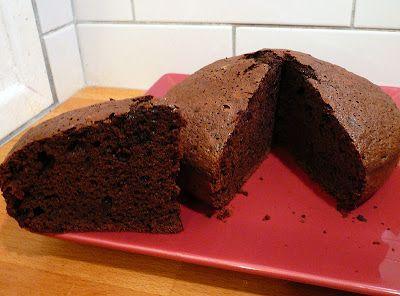 Je suis une quiche en cuisine... mais je me soigne !!: Un gâteau au chocolat du dimanche soir moelleux à souhait et sans beurre !